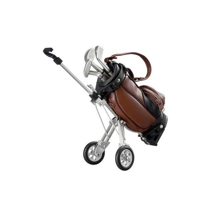 Malý golfový vozík s perami