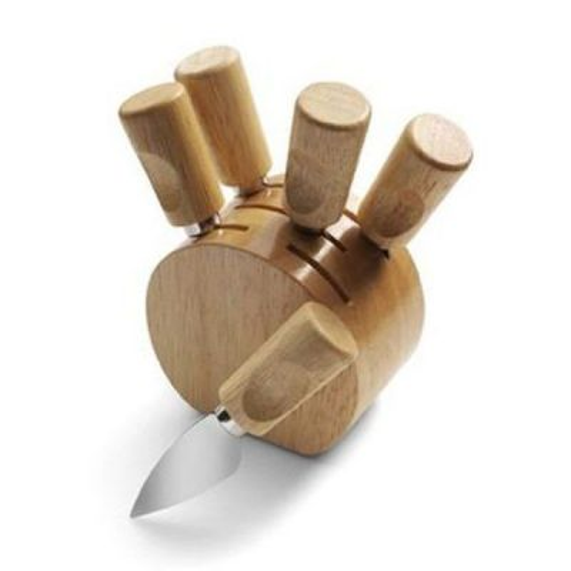 Súprava nožov na syr v krásnom stojane z dreva