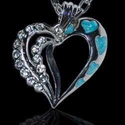Originálny náhrdelník s modrými srdiečkami